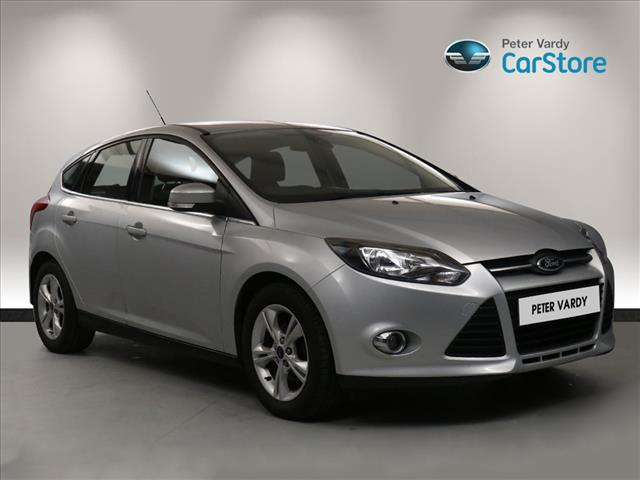 View the 2014 FORD FOCUS: 1.6 Zetec 5dr Online at Peter Vardy
