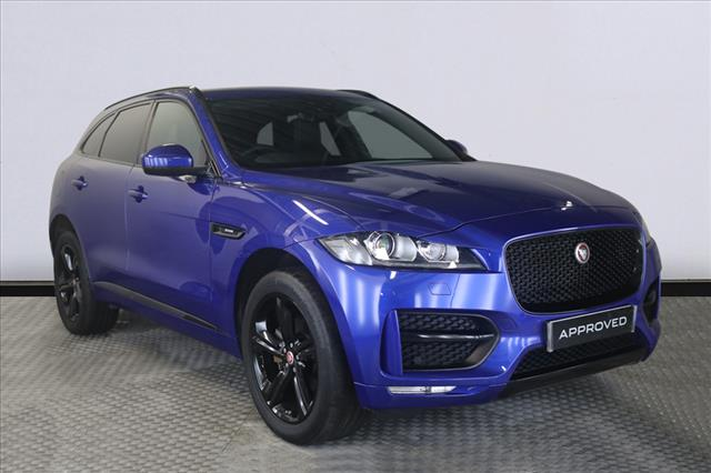 View the 2019 JAGUAR F-PACE DIESEL ESTATE: 2.0d R-Sport 5dr Auto AWD Online at Peter Vardy