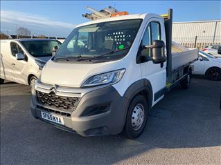 View the 2015 CITROEN RELAY: 2.2 HDi Chassis Cab 150ps Online at Peter Vardy