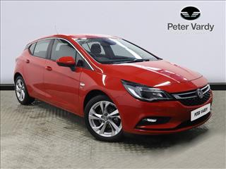 View the 2018 VAUXHALL ASTRA: 1.4T 16V 150 SRi 5dr Online at Peter Vardy