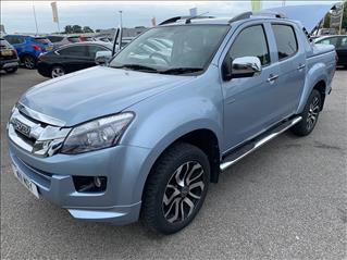 View the 2016 ISUZU D-MAX: 2.5TD Centurion Double Cab Pick up 4x4 Auto Online at Peter Vardy