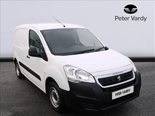 View the 2018 PEUGEOT PARTNER: 850 SE 1.6 BlueHDi 100 Van [non Start Stop] Online at Peter Vardy