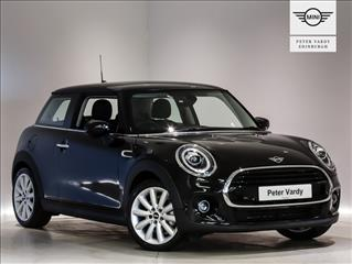 View the 2020 MINI HATCHBACK: 1.5 Cooper Classic II 3dr Online at Peter Vardy