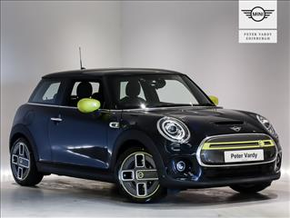 View the 2020 MINI ELECTRIC HATCHBACK: 135kW Cooper S 3 33kWh 3dr Auto Online at Peter Vardy