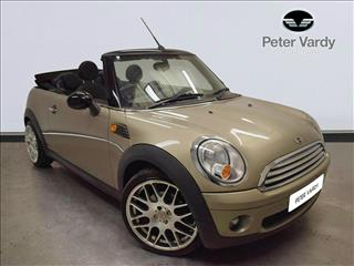 View the 2009 MINI CONVERTIBLE: 1.6 Cooper 2dr Online at Peter Vardy