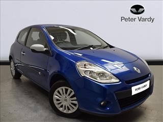 View the 2010 RENAULT CLIO HATCHBACK SPECIAL ED: 1.2 16V I-Music 3dr Online at Peter Vardy