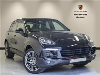 View the 2017 PORSCHE CAYENNE ESTATE SPECIAL EDITIONS: Platinum Edition S Diesel 5dr Tiptronic S Online at Peter Vardy