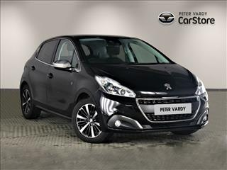 View the 2018 PEUGEOT 208 HATCHBACK: 1.2 PureTech 82 Tech Edition 5dr [Start Stop] Online at Peter Vardy