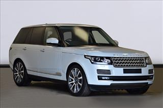 View the 2017 LAND ROVER RANGE ROVER DIESEL ESTATE: 3.0 TDV6 Vogue SE 4dr Auto Online at Peter Vardy