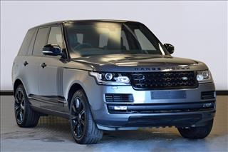 View the 2017 LAND ROVER RANGE ROVER DIESEL ESTATE: 3.0 TDV6 Vogue 4dr Auto Online at Peter Vardy