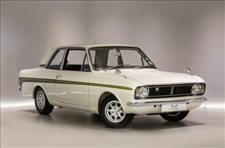 View the FORD Cortina: Saloon Online at Peter Vardy
