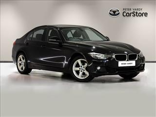 View the 2013 BMW 3 SERIES SALOON: 320i SE 4dr Online at Peter Vardy