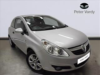 View the 2011 VAUXHALL CORSA HATCHBACK SPECIAL E: 1.0i 12V ecoFLEX Energy 3dr Online at Peter Vardy
