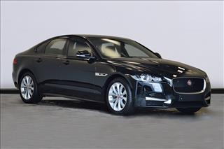 View the 2017 JAGUAR XF DIESEL SALOON: 2.0d [180] R-Sport 4dr Auto Online at Peter Vardy
