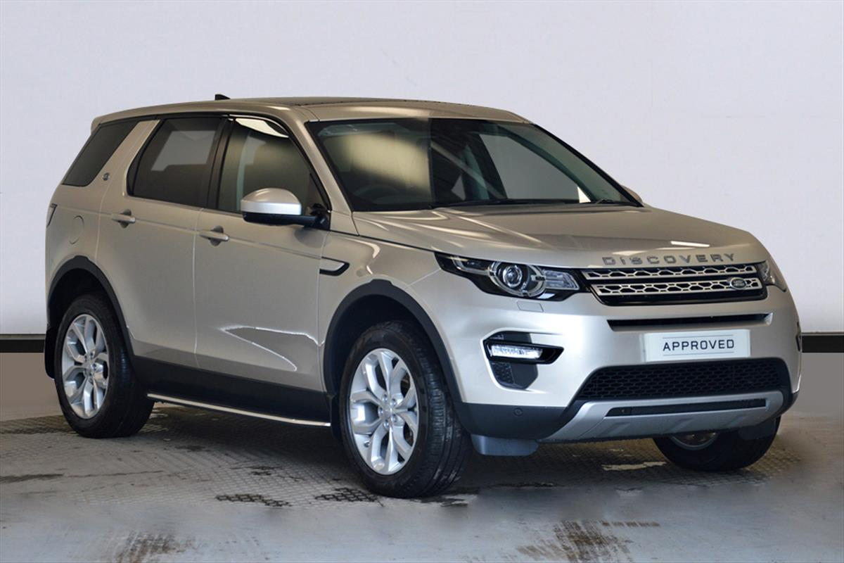 landrover drives rover se autocar review discovery car land first