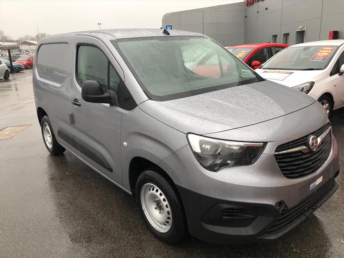 2654c2986a 2018 VAUXHALL COMBO L1 DIESEL  2000 1.6 CDTI H1 Edition Van